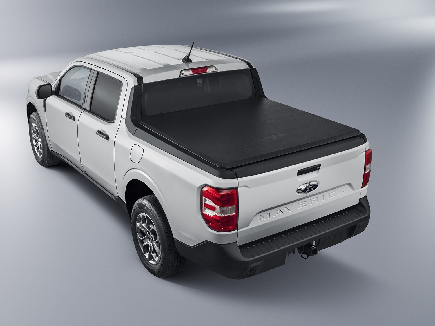 2022 ford maverick Tonneau : Bed Cover - Soft Folding by Advantage, Over The Rails, 4.5 Bed.jpg