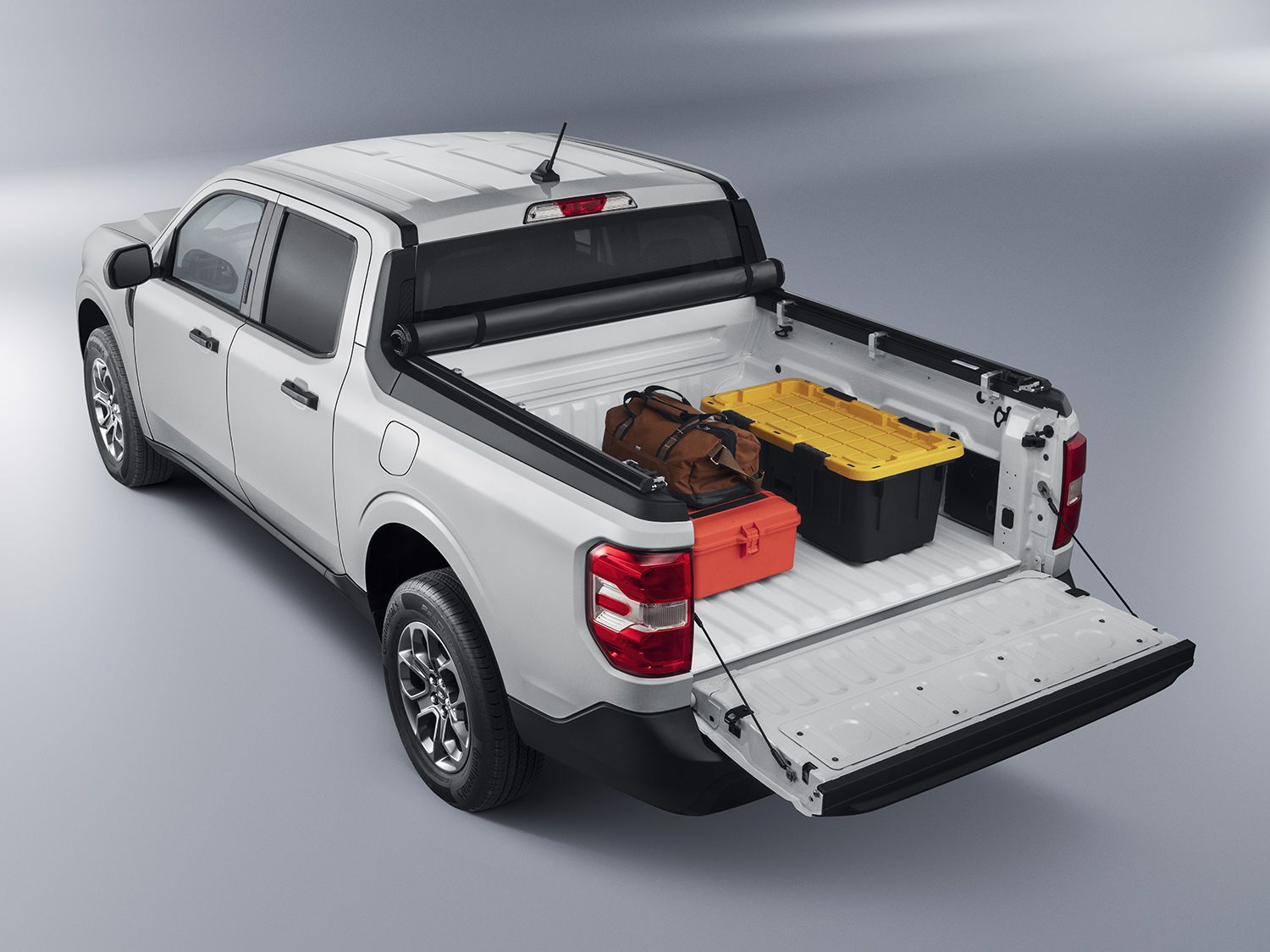 2022 ford maverick Tonneau : Bed Cover - Soft Folding by Advantage, Over The Rails, 4.5 Bed .jpg